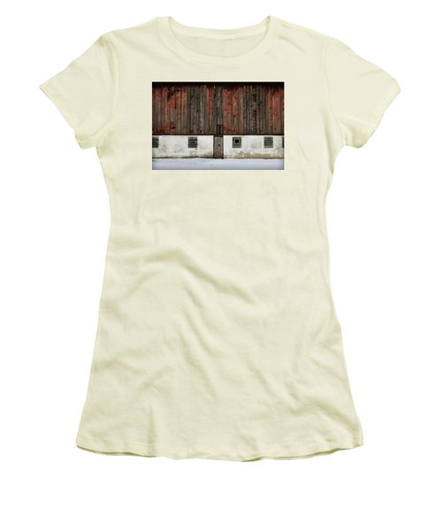 Women's T-Shirt (Junior Cut) featuring the photograph Broad Side Of A Barn by Julie Hamilton