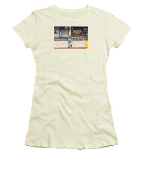 Calle Ocho Cigar Indian Women's T-Shirt (Athletic Fit)