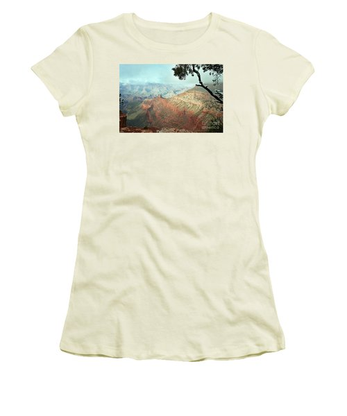 Canyon Captivation Women's T-Shirt (Athletic Fit)