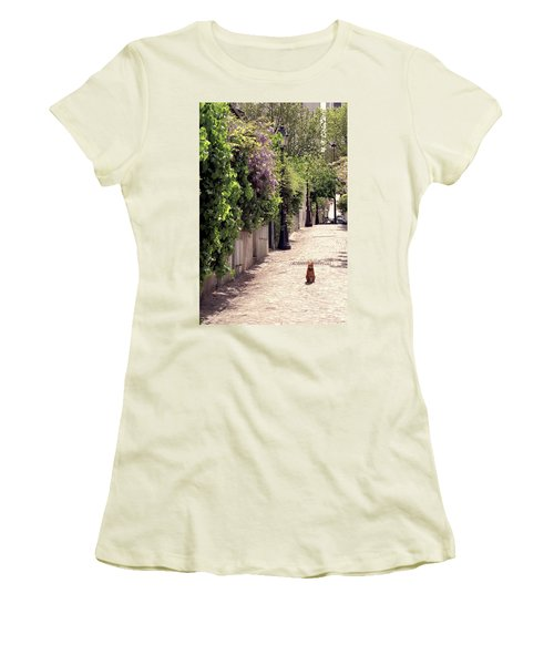 Cat On Cobblestone Women's T-Shirt (Athletic Fit)