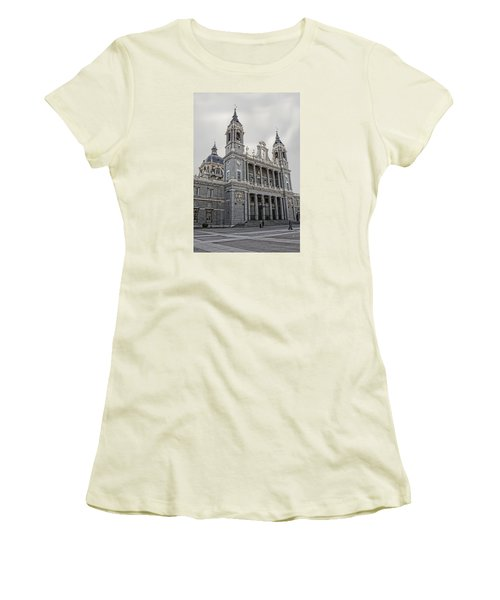 Catedral De La Almudena Women's T-Shirt (Athletic Fit)