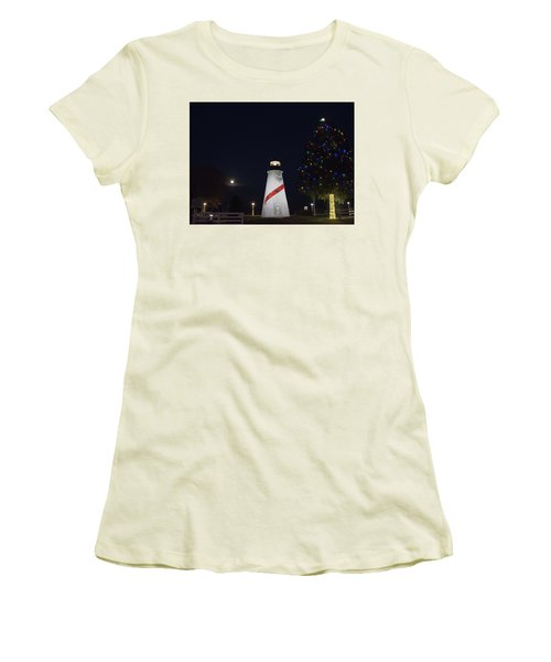 Christmas Lighthouse Women's T-Shirt (Athletic Fit)