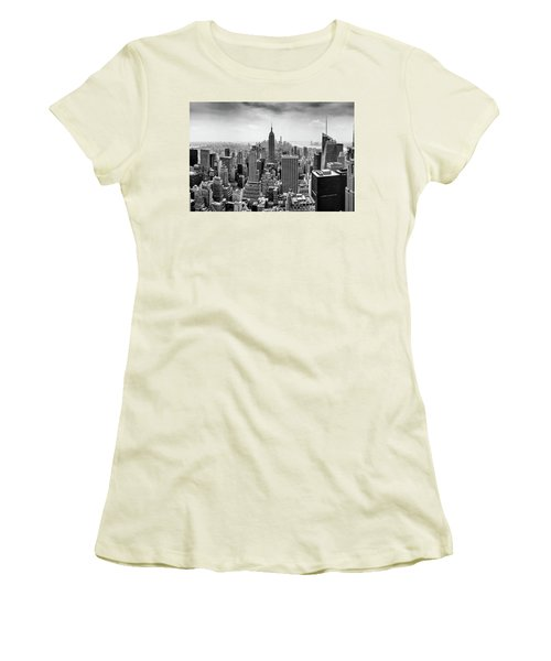 Classic New York  Women's T-Shirt (Athletic Fit)