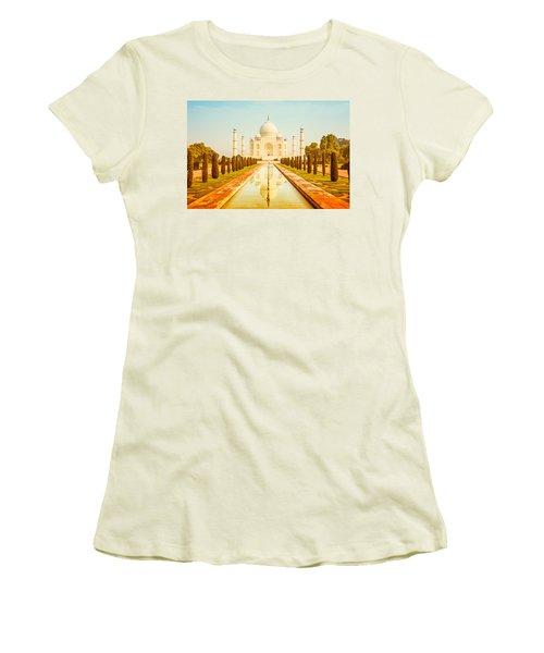 Classic Taj Mahal Women's T-Shirt (Athletic Fit)