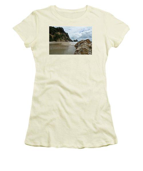 Coromandel, New Zealand Women's T-Shirt (Junior Cut) by Yurix Sardinelly