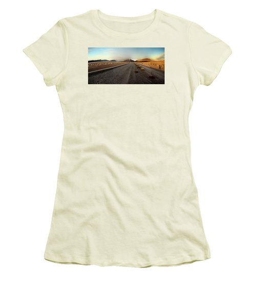 Death Valley Hitch Hiker Women's T-Shirt (Athletic Fit)