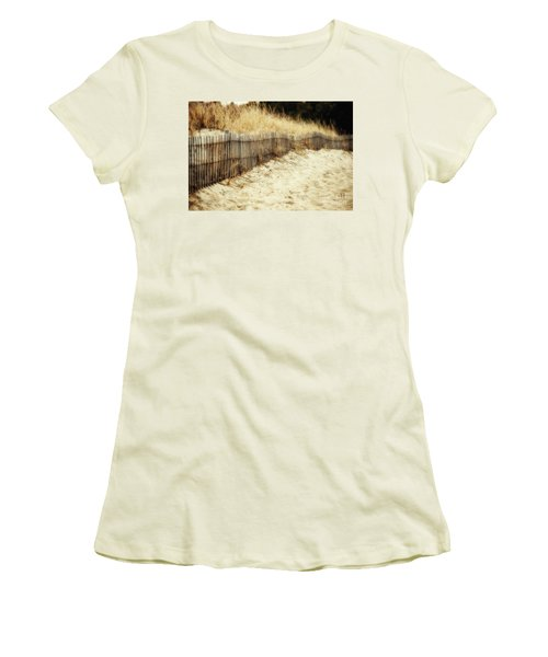 Dune Fence Women's T-Shirt (Athletic Fit)