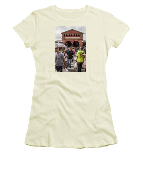 Eastern Market Summer Detroit  Women's T-Shirt (Athletic Fit)