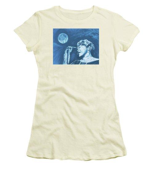 Ella Singing 'blue Moon' Women's T-Shirt (Athletic Fit)