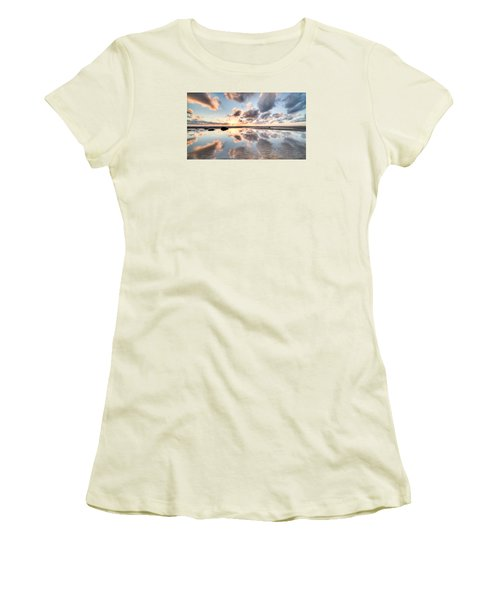 Elliott Calling #1 Women's T-Shirt (Junior Cut) by Brad Grove