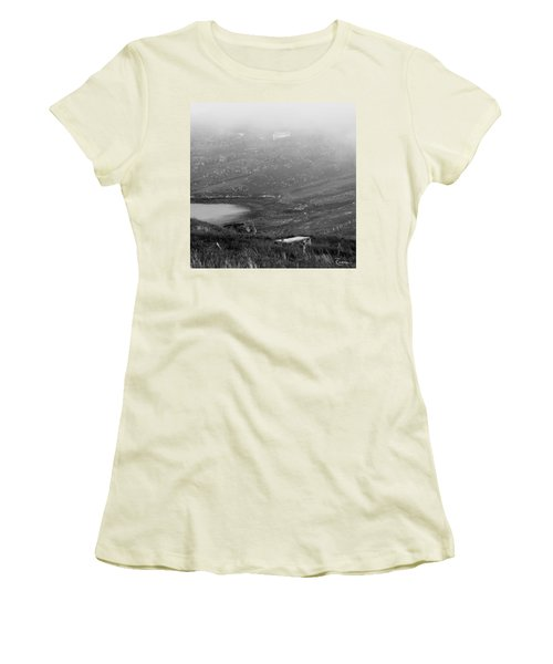 Foggy Scottish Morning Women's T-Shirt (Athletic Fit)