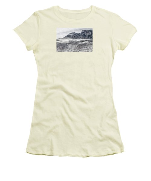 Snowy Grandfather Mountain - Blue Ridge Parkway Women's T-Shirt (Athletic Fit)