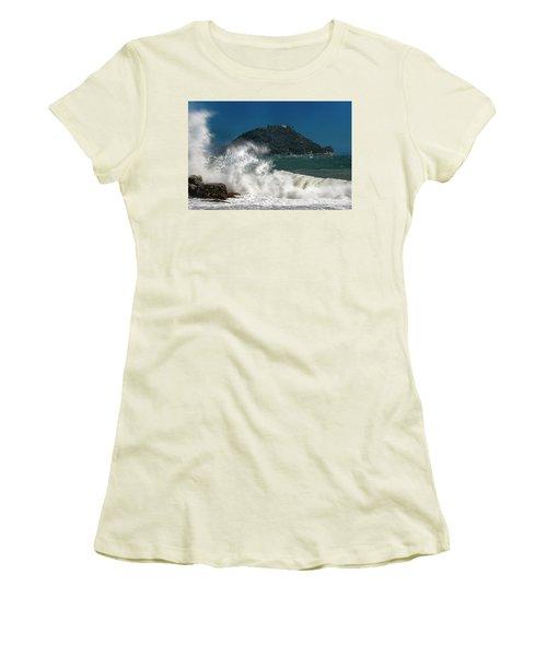 Gallinara Island Seastorm - Mareggiata All'isola Gallinara Women's T-Shirt (Athletic Fit)