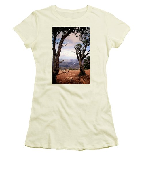 Grand Canyon, Az Women's T-Shirt (Athletic Fit)