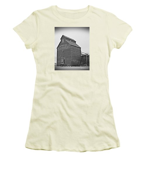 Grass Range Granary Bw Women's T-Shirt (Athletic Fit)