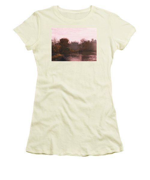 Guys Cliffe House Warwick England Women's T-Shirt (Athletic Fit)