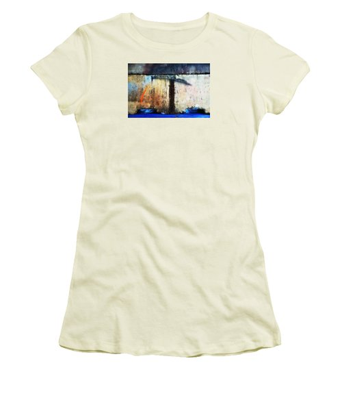 Women's T-Shirt (Junior Cut) featuring the photograph Heavy Wait by Newel Hunter