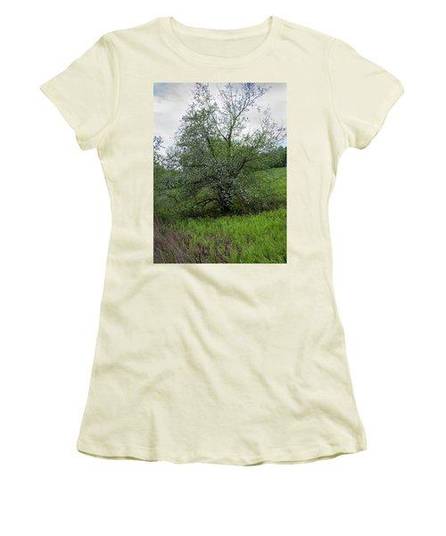 Hillside Lady Women's T-Shirt (Athletic Fit)