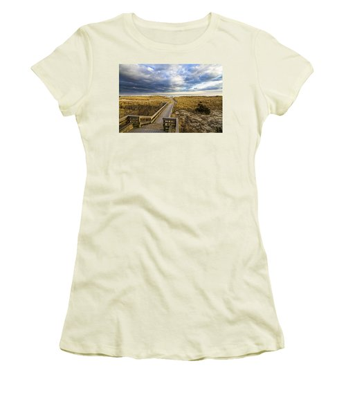 Jetty Four Walkway Women's T-Shirt (Athletic Fit)