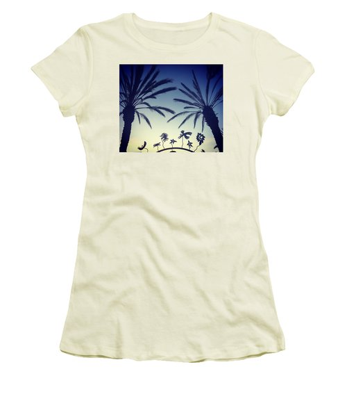 Kalifornia Women's T-Shirt (Athletic Fit)