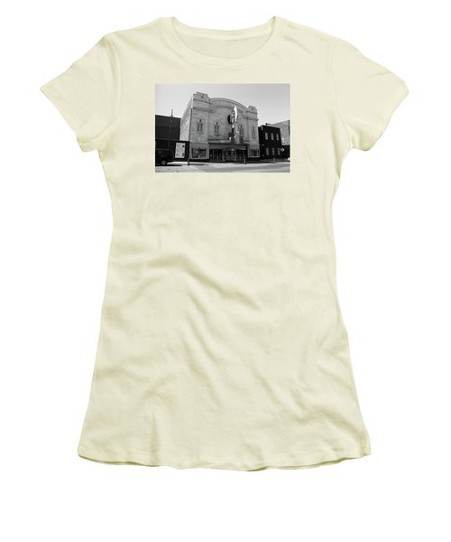 Women's T-Shirt (Junior Cut) featuring the photograph Kansas City - Gem Theater Bw by Frank Romeo