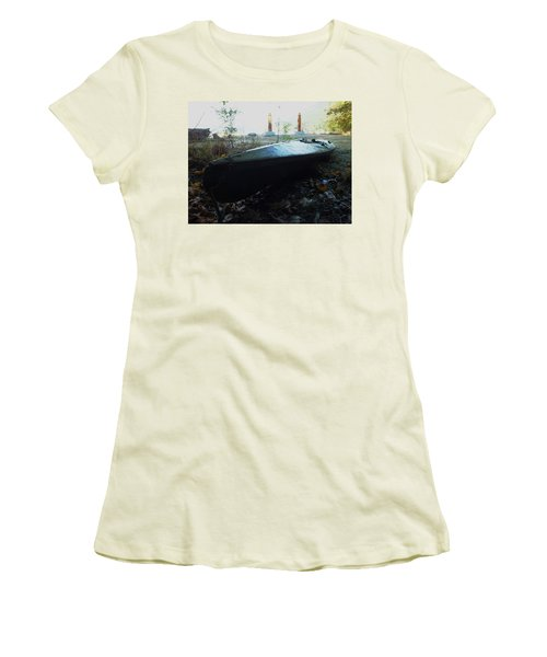 Kayak Women's T-Shirt (Athletic Fit)
