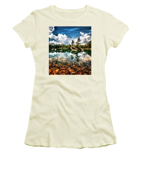 Lake Island View Women's T-Shirt (Athletic Fit)