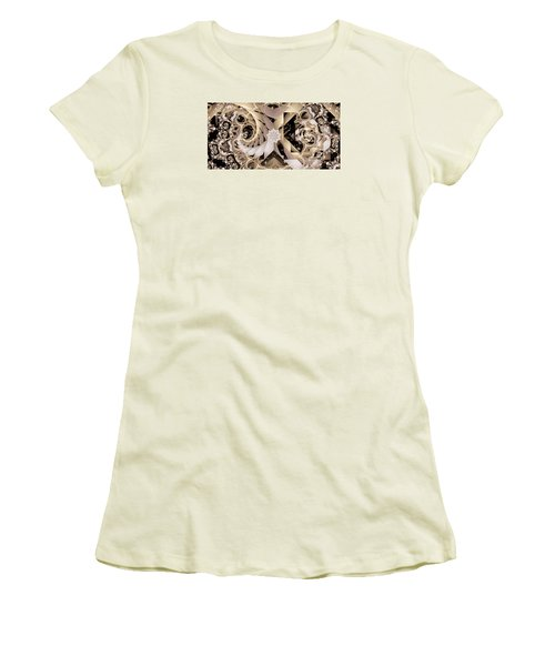 Linen And Silk Women's T-Shirt (Athletic Fit)