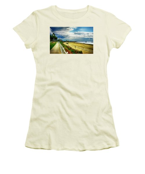 Women's T-Shirt (Junior Cut) featuring the photograph Long Beach Bluff Park by Joseph Hollingsworth