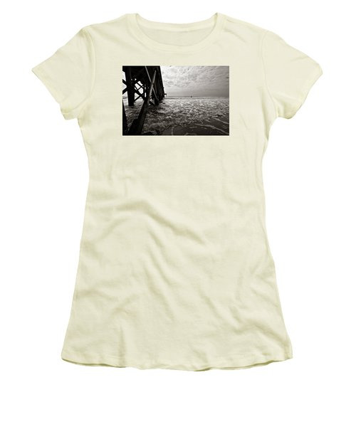 Long To Surf Women's T-Shirt (Athletic Fit)