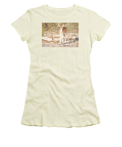 Looking For Mum Women's T-Shirt (Athletic Fit)