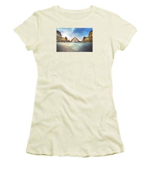 Louvre Museum Women's T-Shirt (Junior Cut) by Ivan Vukelic