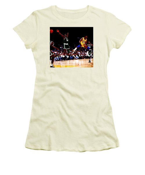 Magic Johnson No Look Pass 7a Women's T-Shirt (Junior Cut) by Brian Reaves