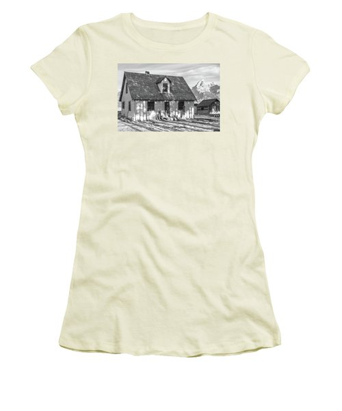 Women's T-Shirt (Athletic Fit) featuring the photograph Moulton Homestead - Pink House by Colleen Coccia