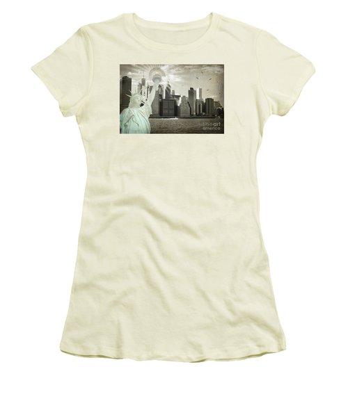 New York New York Da Women's T-Shirt (Junior Cut) by Judy Wolinsky