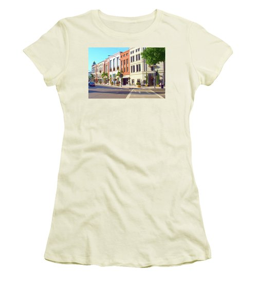 North Rodeo Drive Women's T-Shirt (Athletic Fit)