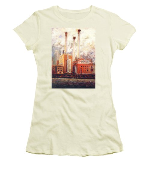 Nyc- View From East River  Women's T-Shirt (Athletic Fit)