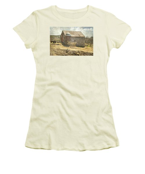 Old Barn Still Standing  Women's T-Shirt (Junior Cut) by Betty Pauwels