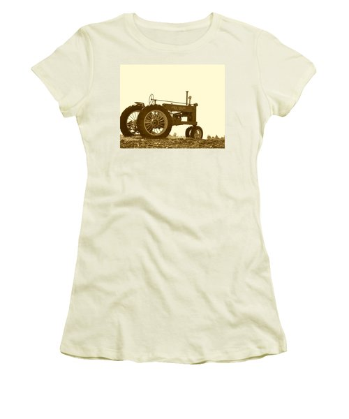 Old Tractor IIi In Sepia Women's T-Shirt (Junior Cut)