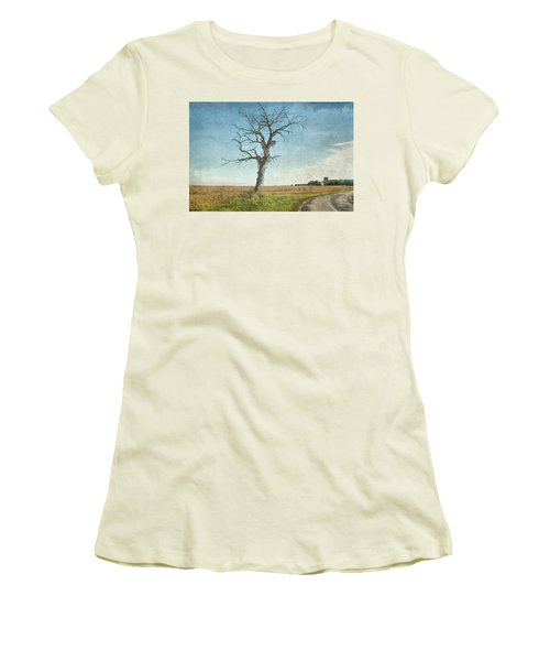 Old Tree  Women's T-Shirt (Athletic Fit)