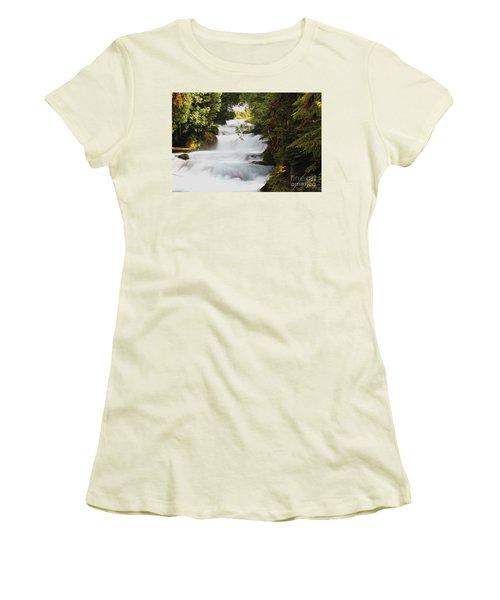 Oregon Cascade Women's T-Shirt (Athletic Fit)