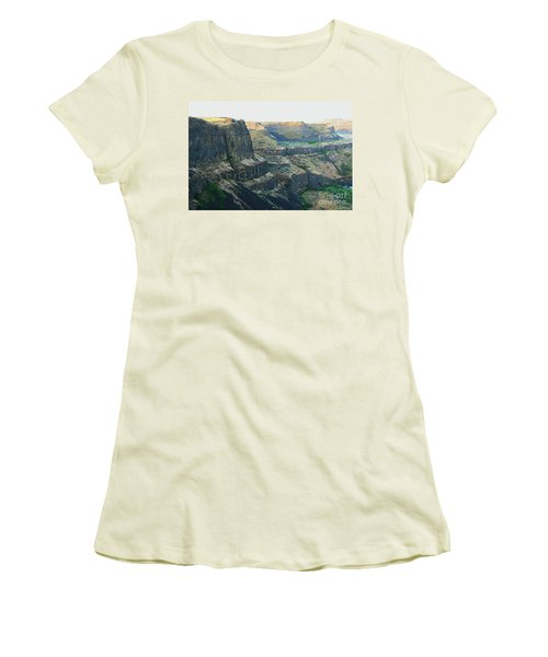 Palouse River Canyon Buttes Women's T-Shirt (Athletic Fit)