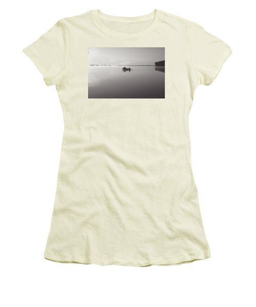 Peacefull Fishing Women's T-Shirt (Athletic Fit)