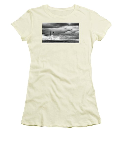 Perched And Looking Women's T-Shirt (Athletic Fit)