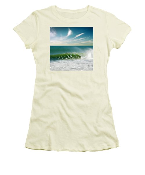 Perfect Wave Women's T-Shirt (Athletic Fit)