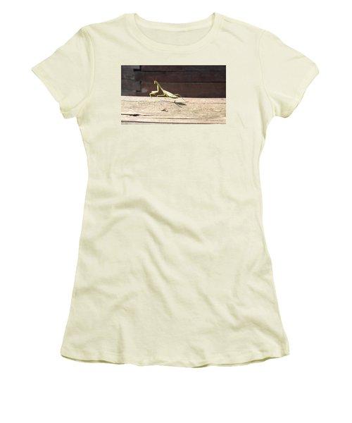 Praying Mantis  Women's T-Shirt (Athletic Fit)