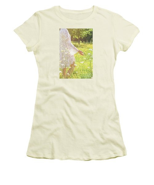 Present Moment.. Women's T-Shirt (Junior Cut) by Nina Stavlund