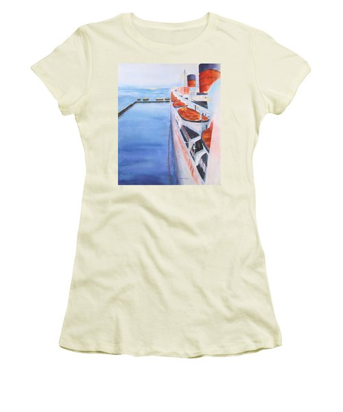 Queen Mary From The Bridge Women's T-Shirt (Athletic Fit)