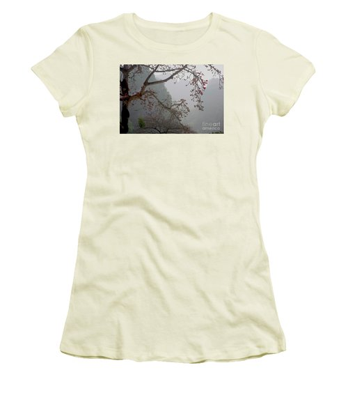Red Blossoms  Vietnam  Women's T-Shirt (Athletic Fit)