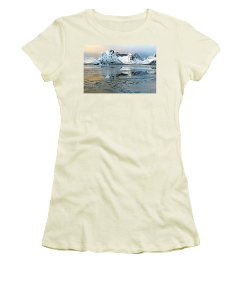 Reine, Lofoten 5 Women's T-Shirt (Athletic Fit)